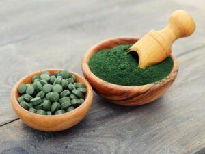 spirulina powder and tablets