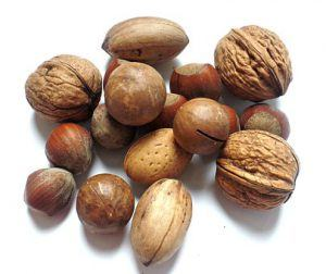 mixed unshelled nuts