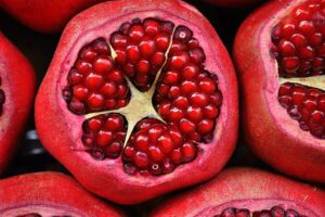 Pomegranate Health Benefits - 16 Quick And Interesting Facts