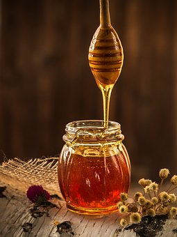 honey and lemon can help with detoxification and weight loss