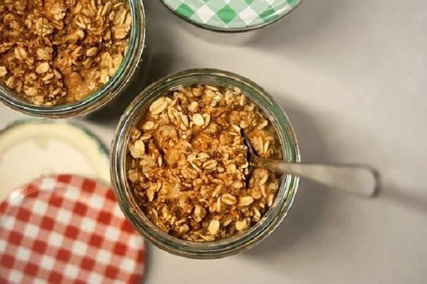 banana cinnamon overnight oats