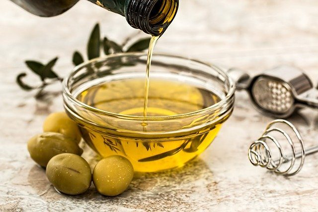 olive oil in bowl