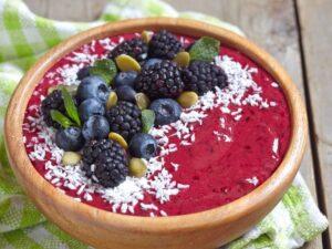 acai bowl with blackberries